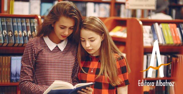 mercado literário conheça editora albatroz publique seu livro livros biblioteca livraria meninas lendo livro comprando livro
